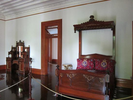 Queen Liliuokalani Palace Inside inside the palace - Pi...