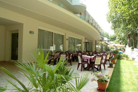 Esterno Hotel Roma Cervia