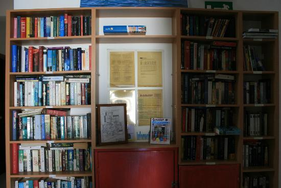 Hotel Glaros: Libri e guide a disposizione degli ospiti