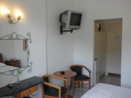 Paradise Inn Hotel: ROOM