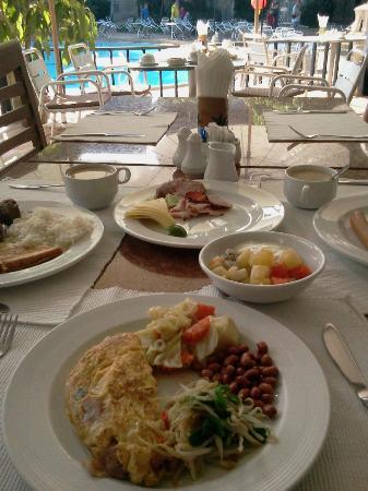 Pinnacle Grand Jomtien Resort: Завтрак (Третий подход :))