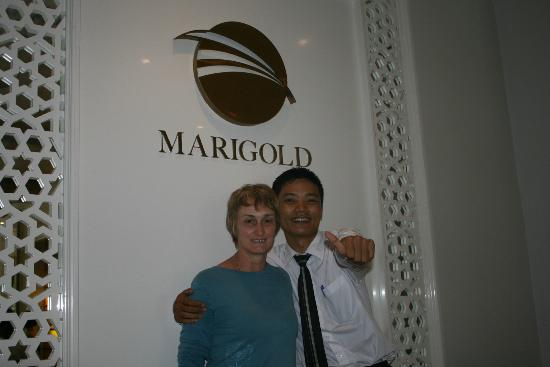 Rising Dragon Haven Hotel: Reception - Manager Marigold Hotel