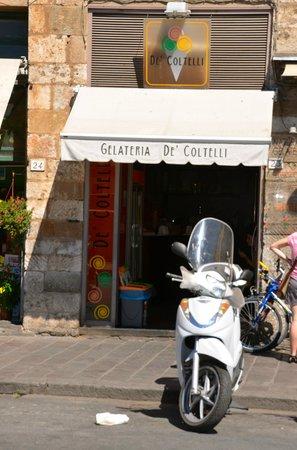 Gelateria De' Coltelli : Außenansicht