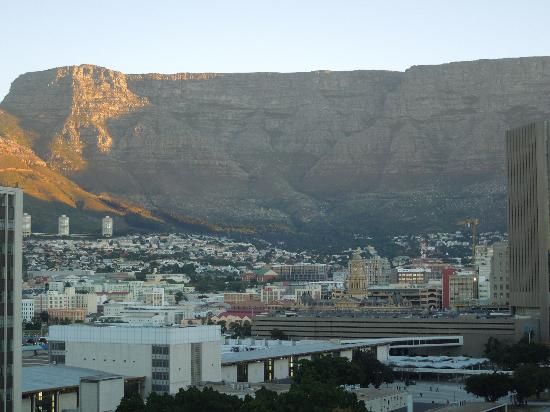Park Inn by Radisson Cape Town Foreshore: View of Table Mountain from roof-top bar