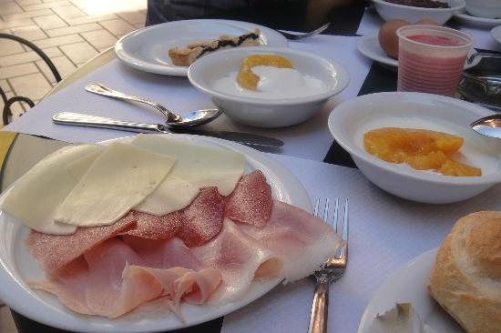 Verona Hotel: breakfast