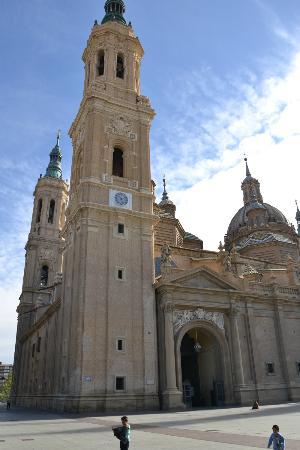 Basilica de Nuestra Senora del Pilar: Basilica del Pilar