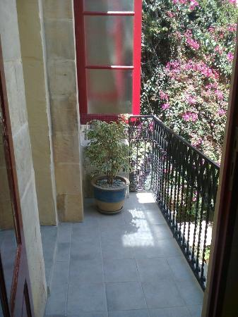 Mia Casa Bed and Breakfast Gozo: The little balcony outside the room where I was staying
