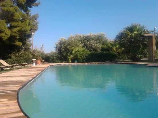 Masseria lamiola piccola montalbano ristorante - Piccola piscina ...