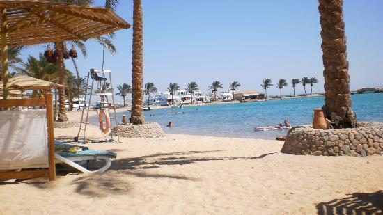 Mövenpick Resort Hurghada: Beach 1