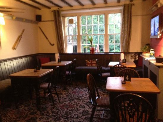 The Rutland Arms: Inside Pub