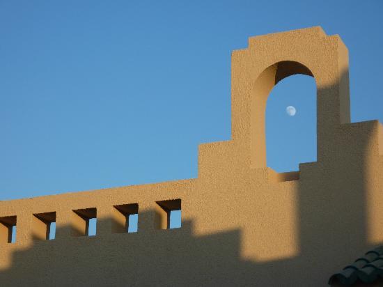 Coral Sea Waterworld Resort: Rooftop Moon