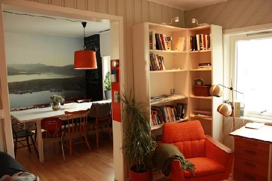 Tromsø Bed & Books: Dining room seen from the library (Writer's home)