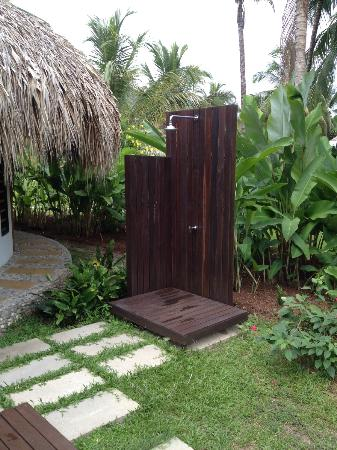 Merecumbe Hotel: Outdoor shower at entrance of Cabina