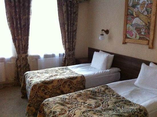 Alyosha Popovich Dvor Hotel: Номер на первом этаже