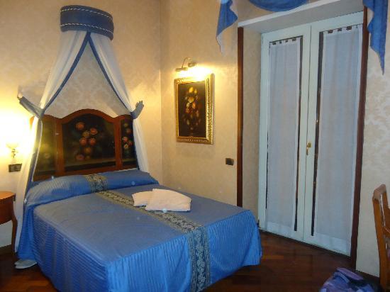โรงแรมสูท อีเซดรา