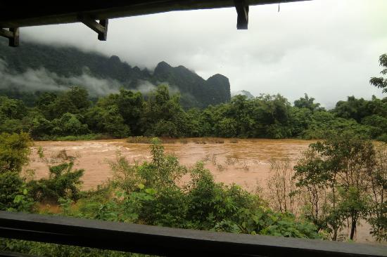 Vang Vieng Eco Lodge: vue terrasse