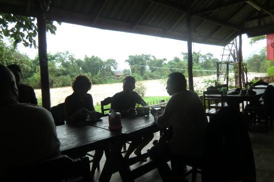 Vang Vieng Eco Lodge: petit dejeuner