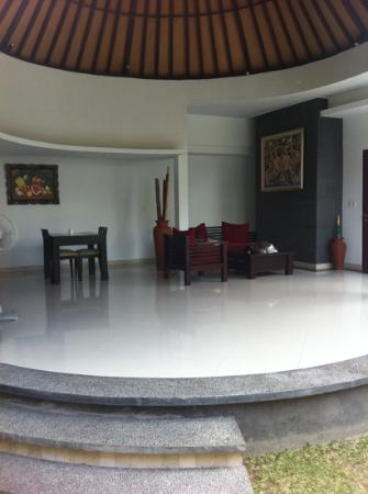 The Bidadari Villas and Spa : open air lounge
