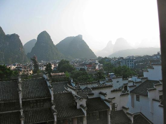 Starway Yangshuo Xijie Xinfu'an Hotel: Part of the view from my hotel window (McDonalds in centre)