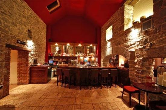 The Coach House Hotel: Bar