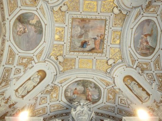 Hotel Dei Consoli: inside the Vatican