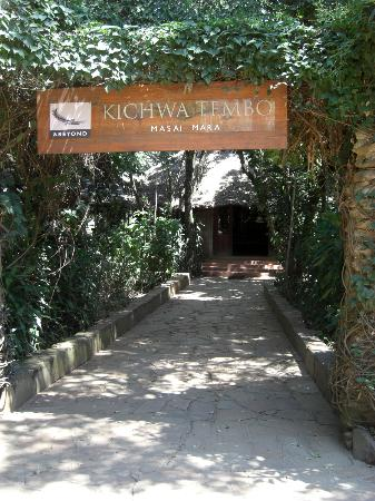 andBeyond Kichwa Tembo Tented Camp: the entrance