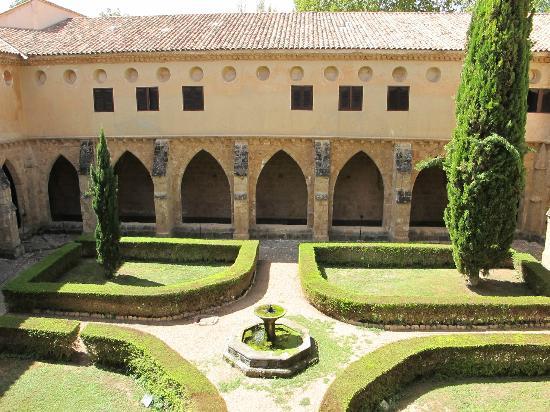 Hotel Monasterio de Piedra & Spa: Atrio del monasterio
