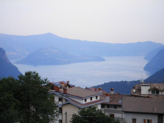 Hotel Albergo Al Milano: vista lago Iseo