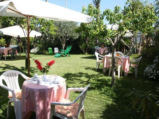 B&B Villa delle Vacanze: Il nostro giardino a disposizione dei nostri ospiti