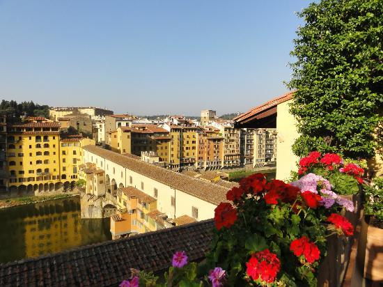 Hotel Hermitage: Terrace overlooking Ponte Vecchio