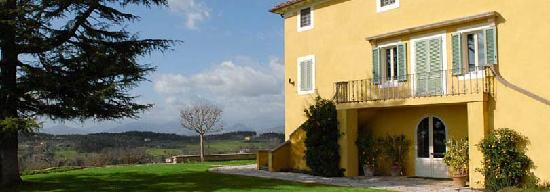 La Casa Gialla: getlstd_property_photo