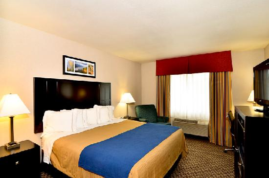 Comfort Inn Columbia Gorge Gateway: All of our rooms freshly renovated in May, 2012
