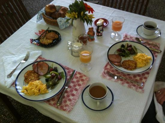 Sunapee View Bed and Breakfast: One of three amazing breakfasts.