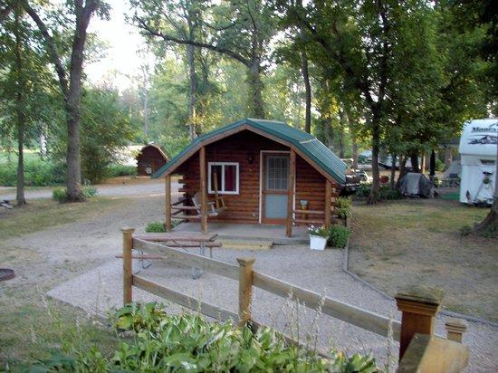 Lena KOA : KOA cabin