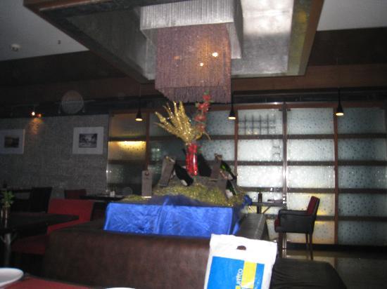 ST LAURN HOTEL, PUNE, KOREGAON PARK: Restaurant