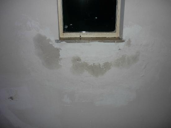 MN International: finestra corridoio