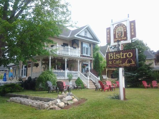 Elk & Finch Coffee Pub: The Elk & Finch Pub