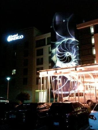 Hotel Indigo Raleigh Durham Airport at RTP: Hotel front