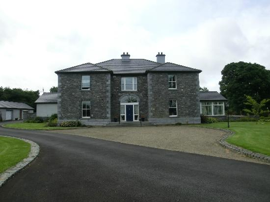 Coill Dara House B&B: front view