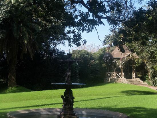 Villa Ocampo: la fuente y la glorieta