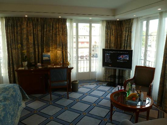 Storchen Zurich: Our Magnificent Suite, Room Nr: 423 (with 3 windows ...and 3 x French Balconies)!