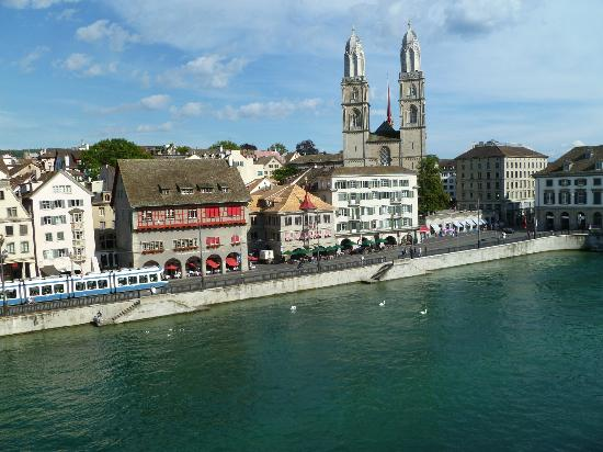 Storchen Zurich: View from our room, on the opposite side of the River!