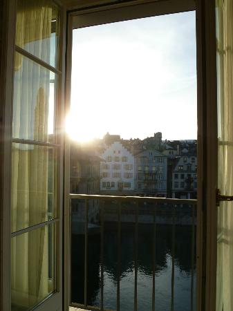 Storchen Zürich: The View in the early Morning-light!