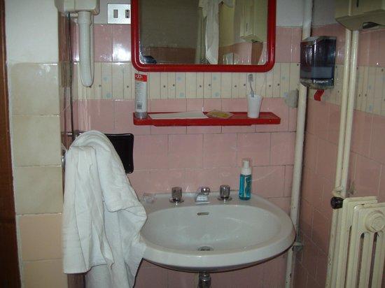 Hotel Marsala: Lavandino