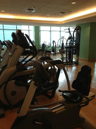 Fallsview Casino Resort: The very well-equipped gym.