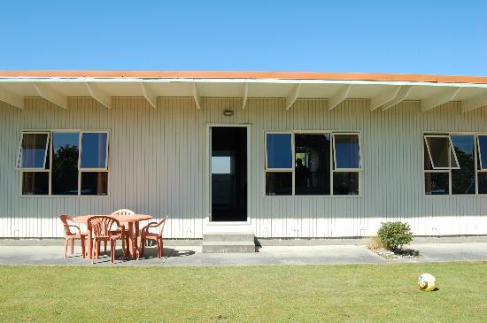 252 Beachside Motels & Holiday Park: coté jardin