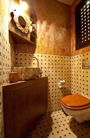 Olive Spa: Toilet
