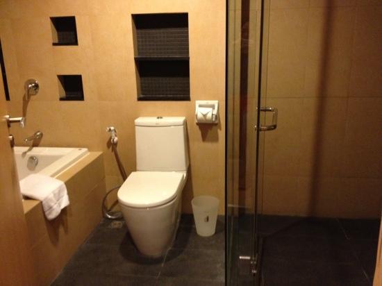 Shama Sukhumvit Bangkok: toilet