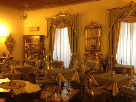 Floridiana Hotel: sala colazione