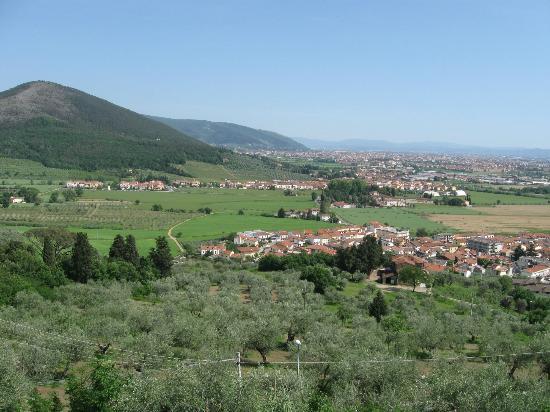 La Taverna della Rocca : panorama dalla terrazza.
